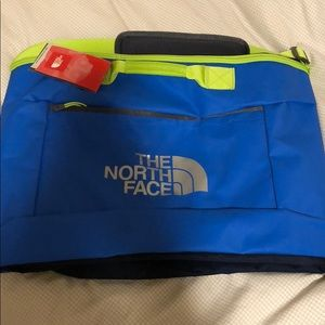 New north face Snowboard sleeve